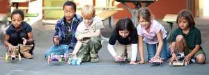 Da Vinci ConnectX, Kids With Model Cars